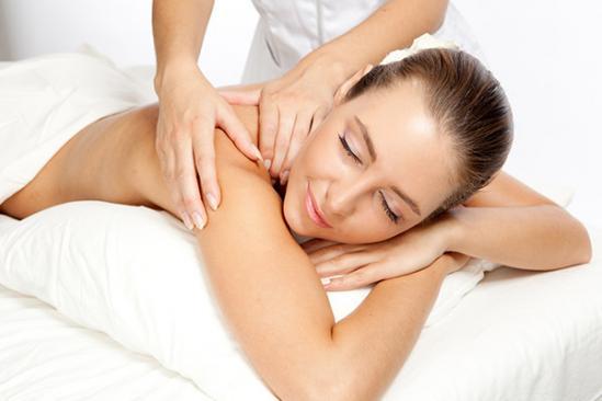 ostéopathie sur une femme